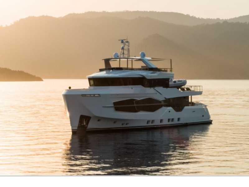 Numarine 32 XP Sold Its 3rd Hull