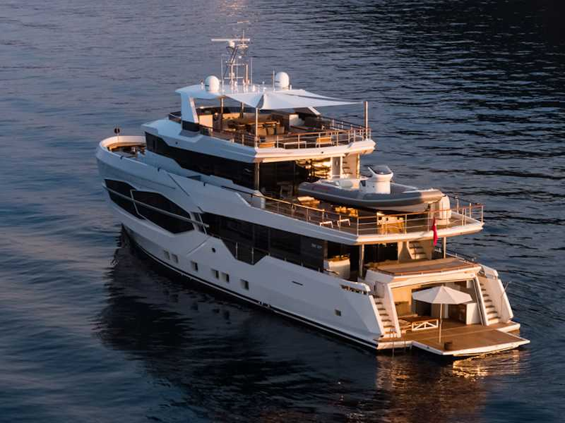 NUMARINE 32 XP, SUPERYACHT AWARDS FİNALİSTİ